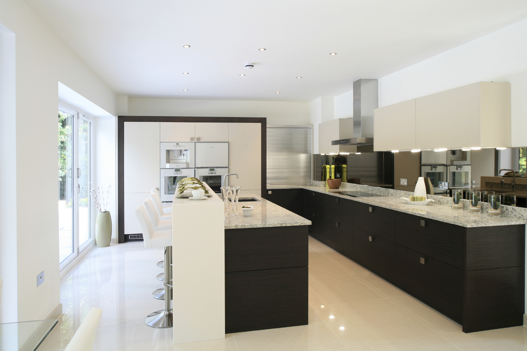 Custom kitchens visionary kitchens custom cabinetry for Kitchen design london